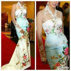 Setelan Kebaya Floya White kebaya on kebaya batik fashion and traditional dresses