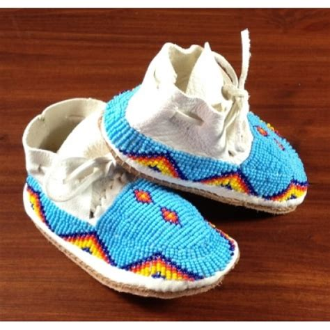 how to bead leather moccasins beaded leather moccasins turquoise