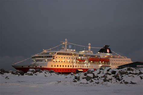 Charming Christmas Time Cruises #2: Hurtigruten-Christmas-Zeller-Ralf.jpg