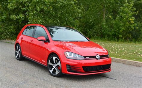 Guide De L Auto Golf 2015 by Premiers Contacts Volkswagen Golf Gti 2015 Plus