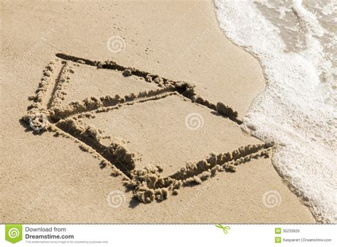 sand painting free house on the royalty free stock images image 35233929
