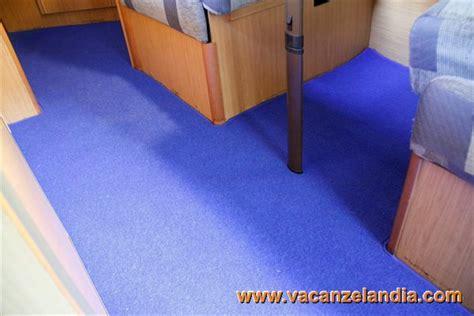 moquette adesiva per pavimenti larcos moquette per cer e caravan tappeti e pedane