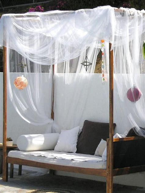 outdoor vorhang best 25 outdoor daybed ideas on outdoor
