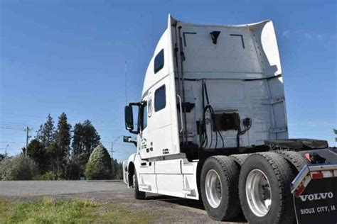 2016 volvo semi truck price volvo vnl 780 2016 sleeper semi trucks