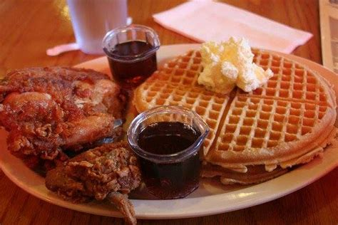roscoe s house of chicken waffles best fried chicken waffle spots in los angeles 171 cbs los angeles