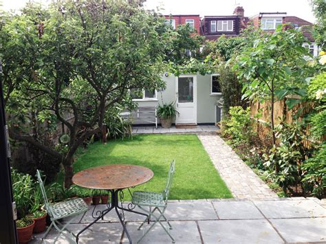 Rent Backyard by 5 Bedroom Terraced House To Rent In Liddell Gardens