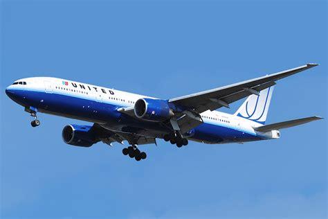united airline file united airlines b777 200 n780ua jpg wikimedia commons