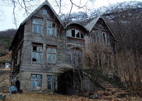creepy house sadly utterly abandoned homes lis anne harris