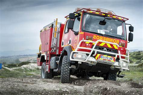 renault trucks si鑒e social renault trucks 233 quipe madrid de 22 v 233 hicules incendie