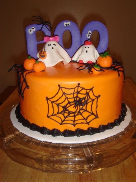 images  halloween cakes  pinterest monster cakes haunted houses  halloween