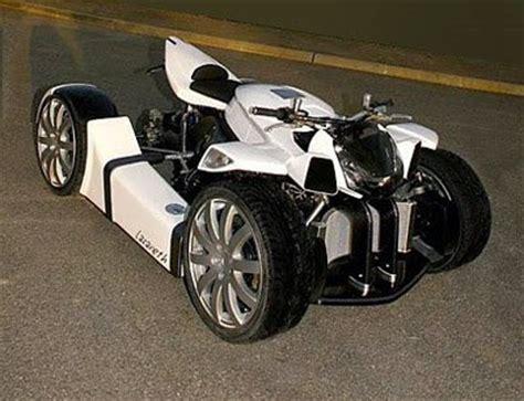 tekerli motor resimleri arabalar