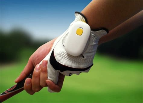 golf swing sensors golf sensor lets you perfect that swing ohgizmo