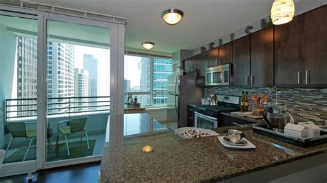 2 Bedroom Chicago Apartments by The Streeter Apartments 345 E Ohio St Streeterville