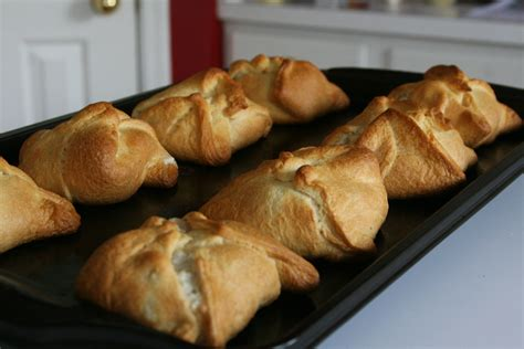 crescent roll recipes chicken roll ups with cheese and crescent rolls