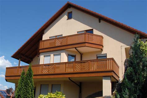 treppengeländer holz preise balkonverkleidung kunststoff preise balkongelaender