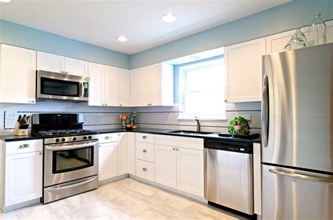 White Kitchen With Stainless Steel Appliances Kitchen White Kitchen Cabinets With Stainless Steel Appliances