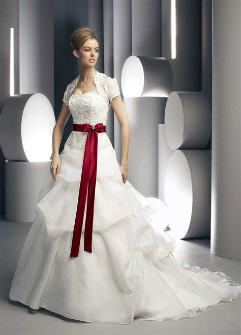 Red White Wedding Dress – strapless red and white wedding dress   Sang Maestro
