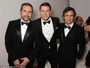 Not close steve carell has admitted he wasn t close to his foxcatcher