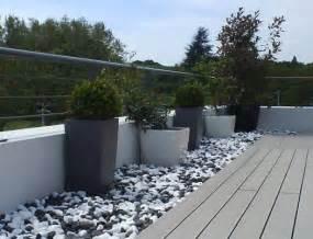jardin galets noir et blanc