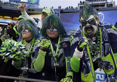 seattle seahawks fan seahawks advance to bowl after stunning win