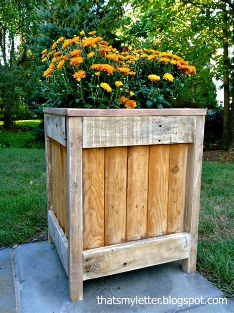 Easy Planter Box Ideas by 32 Best Diy Pallet And Wood Planter Box Ideas And Designs