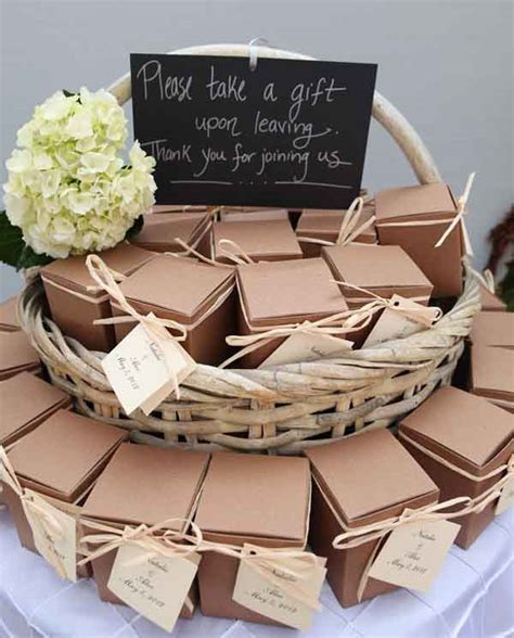 Wedding Favors. Extraordinary 10 Wedding Guest Favors Examples: Presenting Brown Wedding Guest