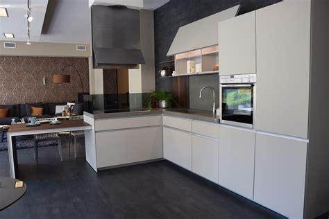 cucina ernestomeda prezzo cucina ernestomeda icon design laccate opaco grigio