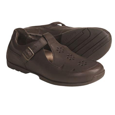 Sepatu Nike Slipon Boston Brown V footprints shoes 28 images footprints by birkenstock