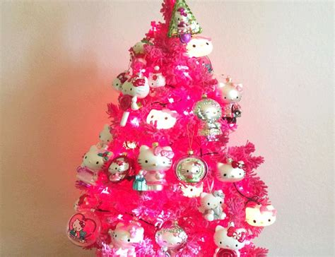 teacher ordered to remove hello kitty christmas tree