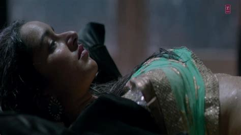 hot wallpapers world aashiqui 2 hot bed scene