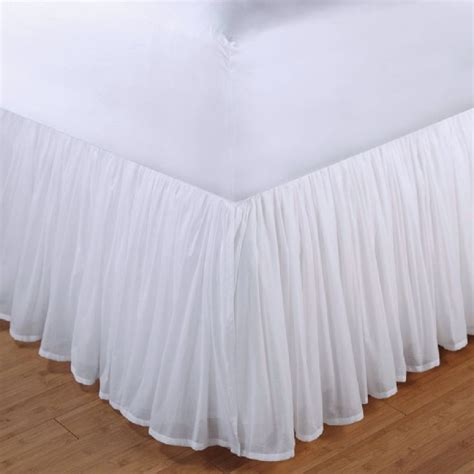 Bedskirt For Bed With Footboard by 1000 Ideas About Bed Skirts On Valance