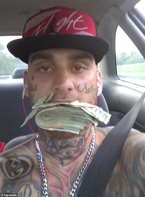 man arrested after posing on facebook with bank robbery ohio bank robbers arrested after posing for facebook