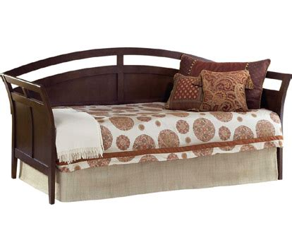 daybeds and futons futon vs daybed what s the difference