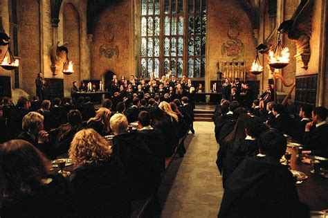 the great hall harry potter harry potter enthusiast recreates her home into hogwarts