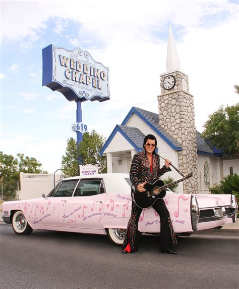 Hochzeit Las Vegas by Elvis Is In The Chapel Getting Married In Vegas With The