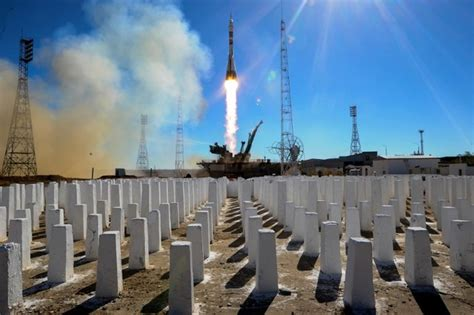 aborted soyuz launch aborted launch astronauts return to space next year russia