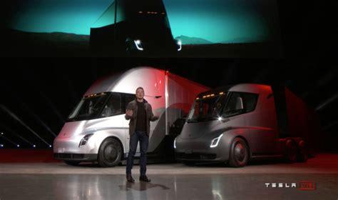 elon musk electric truck photos elon musk unveiled tesla s new electric semi truck