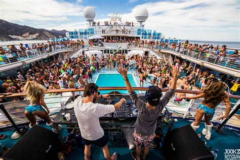 destination boat club reviews groove cruise miami 2019 world s premier edm cruise ft