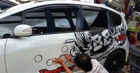 Sticker Anime Gara Decal Edisi Brio Honda cutting sticker bekasi sticker cutting bekasi