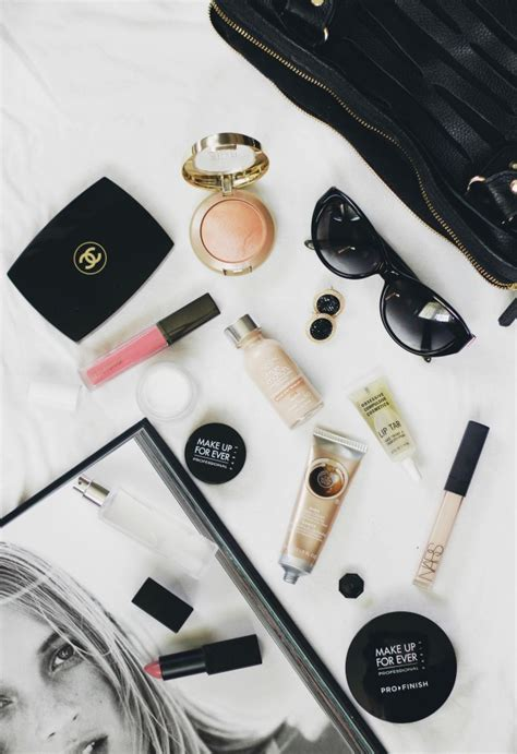 Whats In Your Make Up Bag 1 by What S In My Makeup Bag Style By Modernstork