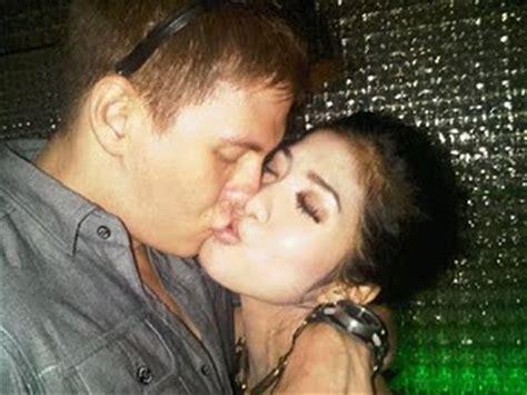 foto ciuman bibir bertrand antolin giska dmelia sekar mawar gambar foto artis