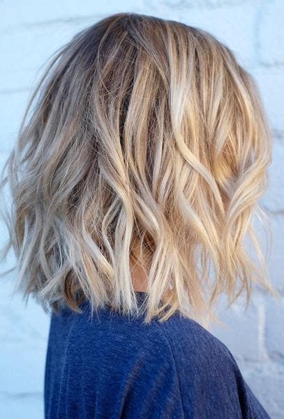 shoulder length textured hairstyles short textured hair with natural blonde highlights hair