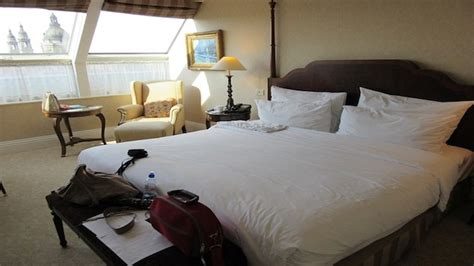 turning hotel rooms how to turn your home into a hotel room design galleries paste