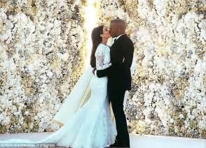 flower wall kim kardashian wedding kim kardashian s hollywood game adds wedding feature with