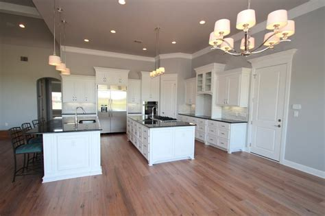sherwin williams zircon walls sherwin williams trim and cabinets white decor kitchen