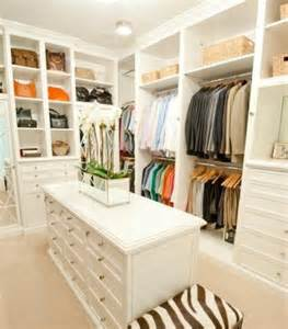 6 traits of the perfect walk in closet comfree