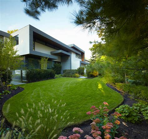 beautiful home gardens awarded contemporary home with beautiful garden in toronto canada freshome