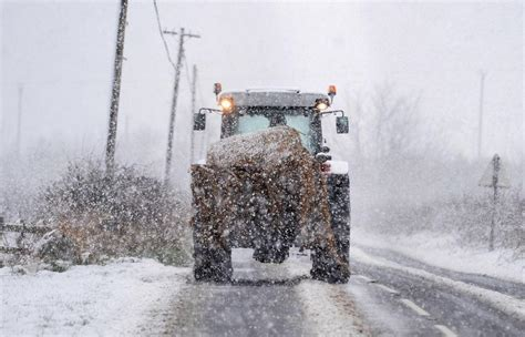 7 Ways To In The Snow by Seven Things To Do Before Big Freeze As Snow Alert In