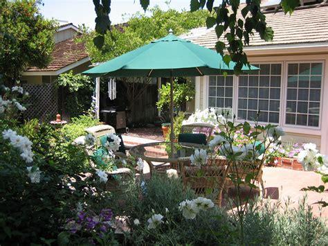 Cottage Landscape Design by Cottage Garden Landscape Design Photos