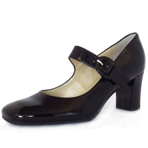 kaiser uk punto black crackle patent pumps